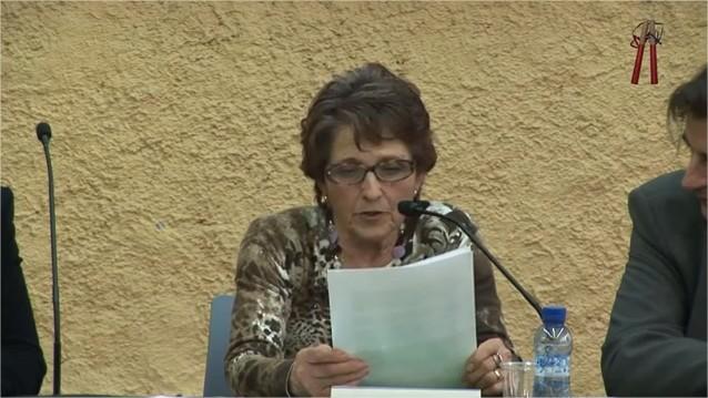 Teresa Puig Bisbal en plena lectura del pregó
